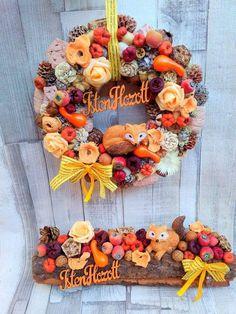 Pine Cone Art, Pine Cones, Thanksgiving, Ikebana, Hobbit, Halloween Decorations, Fall Decor, Flower Arrangements, Christmas Diy
