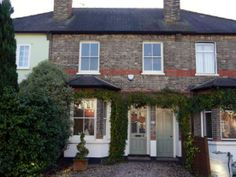 3 bedroom terraced house to rent in Hersham Road, Hersham, Walton On Thames, Surrey KT12 - 27541447