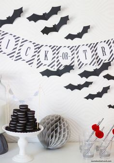 Mom's Best Network: Halloween Party time + a Free Banner & Treat Tags for you to Download via momsbestnetwork.com & @Chelsey Mass