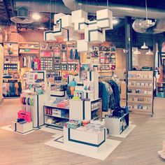 Love the interior design at Urban Outfitter stores. #interiordesign #home #hipster