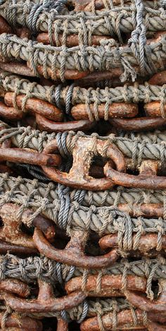 Rust | さび | Rouille | ржавчина | Ruggine | Herrumbre | Chip | Decay | Metal | Corrosion | Tarnish | Texture | Colors | Contrast | Patina | Decay | chains.