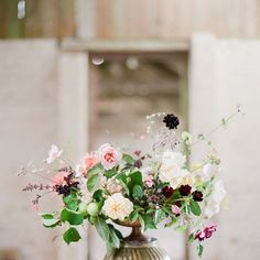 The most beautiful flowers that I got to cut on a visit to @thegardengateflowerco garden one afternoon last summer. Photo @taylorandporter