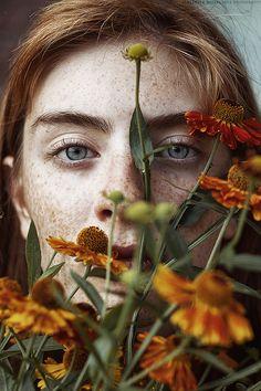 Summer Bird by Alexandra Bochkareva - Photo 171605265 - 500px.  #portrait #flower #summer #redhair #freckles #helios #веснушки #гелиос77м-4