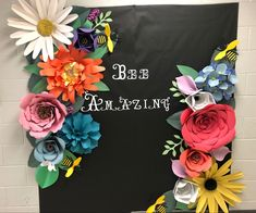Flower Bulletin Boards, Classroom Bulletin Boards, Classroom Decor, Garden Photos, Mothers Day Crafts, Spring Garden, Paper Flowers, 3 D, Backdrops