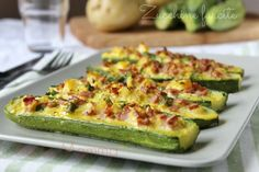 Stuffed courgettes tasty recipe - Stuffed courgettes tasty recipe: excellent second course, or as an appetizer with smaller stuffed c - Italian Dishes, Italian Recipes, Cooking Recipes, Healthy Recipes, Antipasto, Quiches, Vegetable Dishes, Food Design, Diy Food