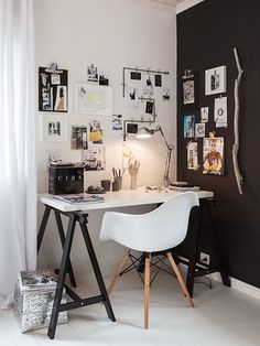 Elegant black and white home office via At mi Casa.