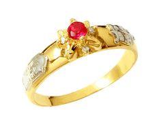 Anel de formatura geografia  em ouro 18k 750 com 4 diamantes de 1 ponto cada e 1 rubi natural.