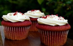 Lovey-Dovey Red Velvet Cream Cheese Cupcake