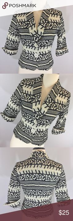 Stunning White House Black Market woven blazer Black and cream woven blazer size 2 from White House Black Market. Some piling due to woven nature of the fabric. 19.5 inches long 16 inches armpit to armpit. 3/4 sleeves. White House Black Market Jackets & Coats Blazers