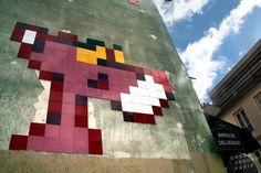 Pink Panther mosaic bySpace Invaderin Paris, France. Photo fromAlternative Paris. #spaceinvader #streetart #paris