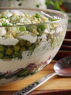 Sio-smutki: Sałatka z jajkiem, łososiem i brokułem