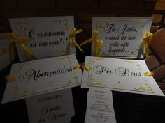 Placas dos noivos para cadeiras, cardápio de mesa, placa reservados e placas para entrada na igreja.
