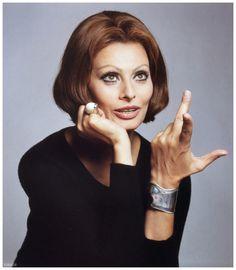 Sophia Loren is wearing Elsa Peretti's %22Bone%22 cuff bracelet, photo by Francesco Scavullo