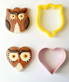 Owl cookies, using a tulip cookie cutter and a heart cookie cutter Owl Cookies, Galletas Cookies, Heart Cookies, Iced Cookies, Cute Cookies, Royal Icing Cookies, Cookies Et Biscuits, Cupcake Cookies, Cookie Favors