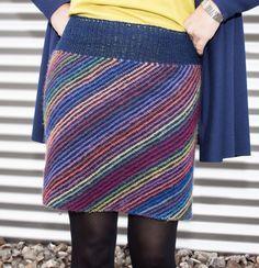 Ravelry: Diagonal gestrickter Rock pattern by Christian Peters Crochet Skirts, Knit Skirt, Wool Skirts, Crochet Clothes, Crochet Wool, Crochet Scarves, Easy Knitting, Knitting Patterns, Ganchillo