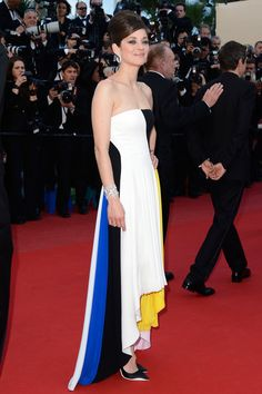 Marion Cotillard at Cannes // Love this graphic dress