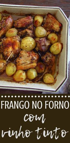 Going to receive your family for dinner and want to prepare a simple meal in the oven? This chicken recipe in the oven with red wine is easy to prepare, quite tasty and has excellent presentation! Your family will love it, bon appetit! Red Wine Chicken, Oven Baked Chicken, Recipe Chicken, Chicken Recipe With Red Wine, Chicken Recipes In Oven, Cooking Wine Recipes, Cooking Steak, Chicken Pasta, Roasted Chicken