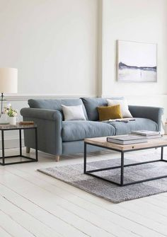This one is perfect for those who prefer a slightly higher arm. Please note though, the use of this sofa is not restricted to the weekend: it's blimmin' comfy on a Monday too!