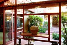 Completed in 1959 in Scottsdale, United States. Situated in the Sonoran desert outside of Scottsdale, Arizona stands a living memorial and testament to the life and work of Frank Lloyd Wright. Study Architecture, Interior Architecture, Residential Architecture, Interior Design, Porches, Frank Lloyd Wright Homes, Usonian, Vintage Interiors, Winter House