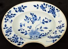 Chinese Export Porcelain barber's bowl  with cobalt underglaze floral decoration- 18th century (Qianlong period)