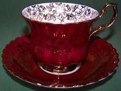 Royal albert spectacular red & gold tea cup and saucer