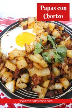 Papas con Chorizo (Potatoes with Mexican Sausage) - Everyday Latina Group Meals, Family Meals, Mexican Dishes, Mexican Food Recipes, Mexican Sausage, Chorizo And Potato, Delicious Recipes, Healthy Recipes, Refried Beans