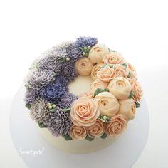 """1,719 Likes, 7 Comments - Flower Cake & Class (@sweetpetalcake) on Instagram: """"3 pound flower buttercream cake"""""""