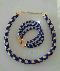 Peyote Patterns, Beading Patterns, Crochet Necklace, Beaded Necklace, Beaded Bracelets, Diy Jewelry Inspiration, Bead Crochet Rope, Bead Crafts, Beaded Jewelry