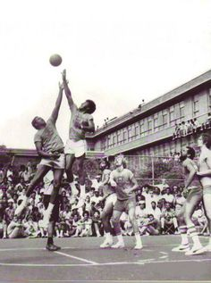 Unique photo of streetball legend Earl 'the goat' Manigault on Rucker NY