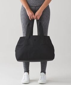 Go Getter Bag (Heatproof) from  lululemon which doesn t scream