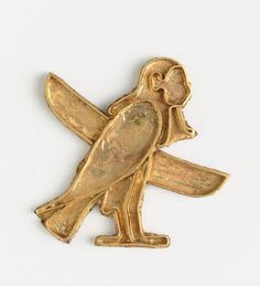 Pendant or amulet - gold.  Orientalizing period (720-620 B.C). | Photo (C) RMN-Grand Palais (musée du Louvre) / Hervé Lewandowski