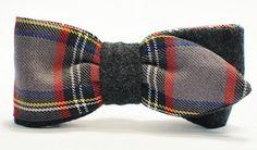 Mucha to elegancki dodatek dla mężczyzn, ale nie tylko. Coraz częściej zastępuje miejsce krawatu na męskiej szyi, a dzięki różnym fasonom, może również świetnie dodać uroku każdej Pani. Kiedyś...