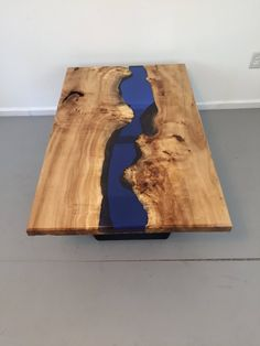 If you wish to have a special wood table, resin wood table may be the choice for you. Resin wood table furniture is the right type of indoor furniture since it has the elegance and provides the very best comfort in the home indoor or outdoor. Resin And Wood Diy, Wood Resin Table, Wood Table, Table Legs, Resin Furniture, Rustic Wood Furniture, Blue Furniture, Furniture Ideas, Fast Furniture