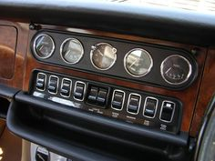 1970 Jaguar XJ6 Interior