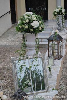 ρομαντικος στολισμος γαμου με αμφορεις White Day, Wedding Decorations, Table Decorations, Glass Vase, Plants, Weddings, Home Decor, Valentines Day Weddings, Church Flower Arrangements