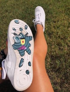 These Sneakers are really awesome LOVE IT painted shoes embossed sneakers – Custom nike shoes – Damenschuhe Custom Painted Shoes, Custom Shoes, Custom Af1, Custom Clothes, Custom Converse, Custom Sneakers, Nike Custom, Painted Vans, Nike Shoes Air Force