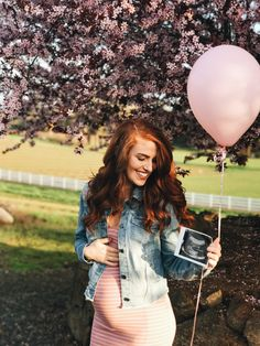 'Little People, Big World' Stars Jeremy and Audrey Roloff Move Back to Portland Ahead of Her Due Date! Gender Reveal Outfit, Gender Reveal Announcement, Pregnancy Gender Reveal, Gender Announcements, Baby Girl Announcement, Baby Shower Gender Reveal, Baby Gender, Pregnancy Photos, Maternity Poses