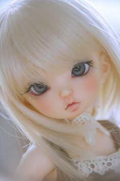 #Dolls How do they make such a lovely face?