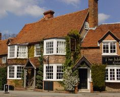 The Miller of Mansfield, Goring, Reading, Berkshire, England. Pub. Inn. Accepts Dogs. #WeAcceptPets. PetFriendly. Holiday. Travel. Walks. Day Out. Dog Friendly.