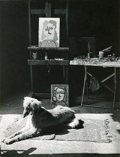 Brassai (Gyula Halasz), Le chien Kasbeck, atelier de…
