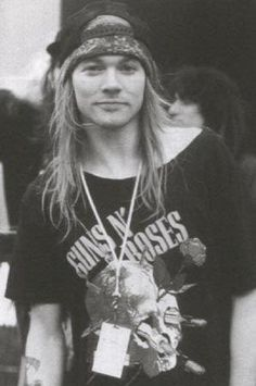 Axl Rose. 7 planets in Aquarius! Along with Garth Brooks, Sheryl Crow, Clint Black, Jennifer Jason Leigh, Eddie Izzard and Alan Cummings.