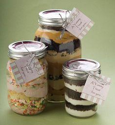 Cupcakes in a jar!  Brilliant
