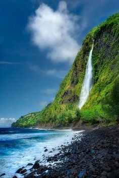 Waipio valley - Kaluahine Fails, Big Island of Hawaii