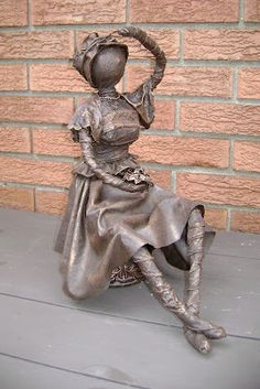 Lucy H. Textile Sculpture, Bronze Sculpture, Textile Art, Sculpture Art, Art Projects, Projects To Try, Statues, Cement Art, Outdoor Art
