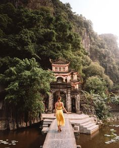Vietnam Itinerary: Hanoi, Hoi An, and Ha Long Bay - Find Us Lost : Bich Dong Pagoda in Tam Coc Vietnam Hoi An, Places To Travel, Places To See, Travel Destinations, Winter Destinations, Vietnam Travel Guide, Asia Travel, Vietnam Voyage, Vietnam War