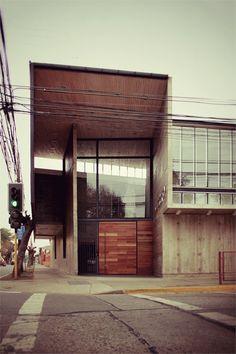 Curricular administrative building Lycée María Auxiliadora, Linares, 2011