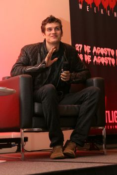 Daniel Sharman on stage at Bloody Night Con!