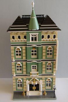 "LEGO Moc Modular ""Golden Cup Grand Hotel"""