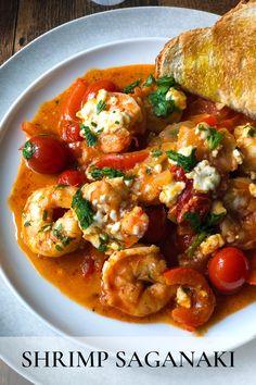 Spicy Dishes, Fish Dishes, Seafood Dishes, Shrimp Recipes, Fish Recipes, Tapas Recipes, Dinner Recipes, Shrimp Saganaki Recipe, Gastronomia