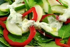 Oz : Spicy Avocado-Greek Yogurt Dressing: Two million people have logged on to try the rapid weight loss plan. Now, add zest to your salads with this tangy, creamy salad dressing. Diet Recipes, Cooking Recipes, Healthy Recipes, Healthy Salads, Avocado Recipes, Skinny Recipes, Healthy Foods, Salad Recipes, Greek Yogurt Dressing